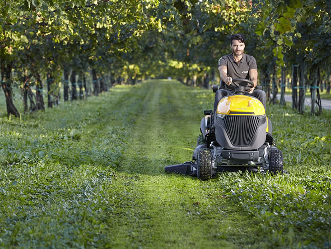 stiga-mower-vineyard